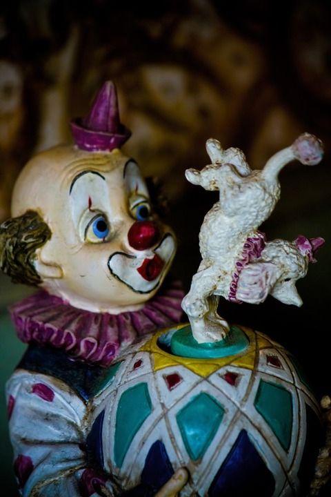 【怯霊】大量のチョイ怖人形が置いてある自分の部屋→この前、寝ようとした瞬間!『スー』とドアが開き&全開に→が!2秒後『バ タ ン!』