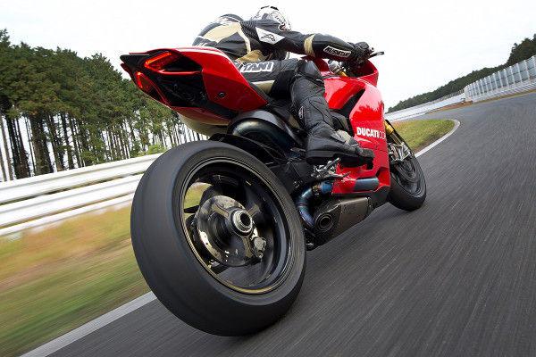 国産バイクとイタリアンバイクのデザイン力の差がこちらwwwww(※画像あり)