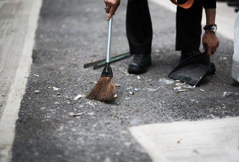 【衝撃的】私立の園なのに、学期末の大掃除を 母 親 が 当 番 で す る !これってフツーじゃないですよね!?(呆