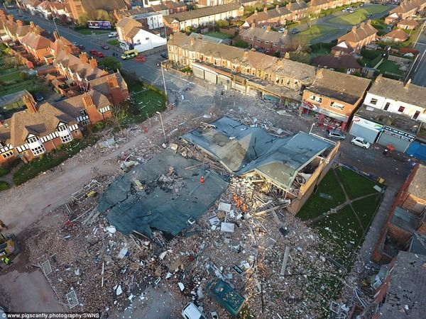 【悲報】イギリス、空爆されたようなトンデモない状態になる…(画像あり)