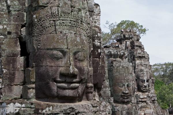 カンボジア・バイヨン遺跡