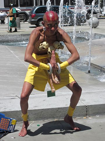 360px-Dhalsim_cosplayer_at_FanimeCon_2010-05-30_5