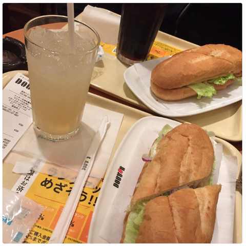 ドトール『青森県産りんごストレートジュース』