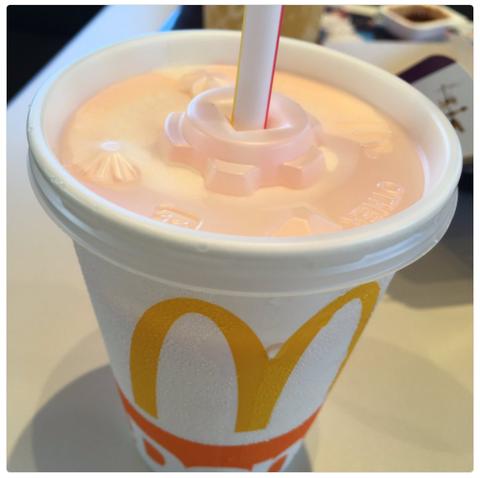 マックシェイク『もも&もも(果汁2%)』