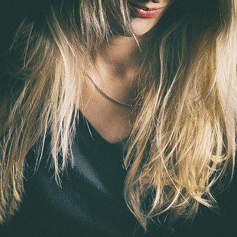 girl-1341292__340