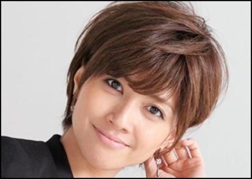 【シコ画像】内田有紀さん、くっきり割れた縦線を晒してしまうwwwwwwのサムネイル画像