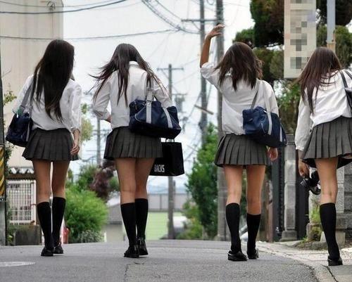 【衝撃画像】44%もの女子高生がwwwwとんでもない事が発覚wwwwwのサムネイル画像