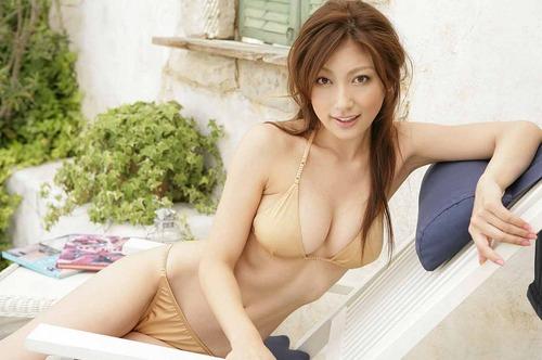 【画像】熊田曜子さん(35)、過去最大級の露出wwww83回抜いたwwwwのサムネイル画像