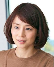 石田ゆり子の最新画像!過去(昔)の水着写真、動画 未婚(独身)の理由は?のサムネイル画像