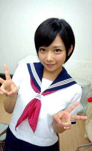 av女優・紗倉まな、子供時代の写真が....ガチで.....のサムネイル画像