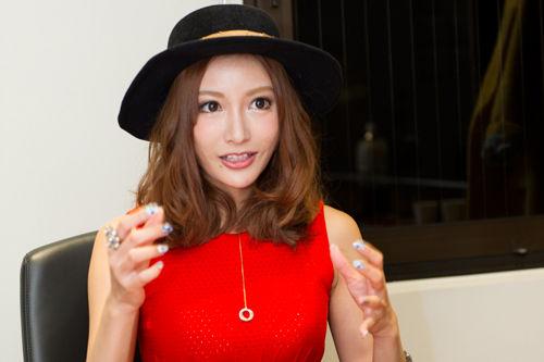 【狂気】av女優 明日花キララさん、カミングアウト!!!!!のサムネイル画像