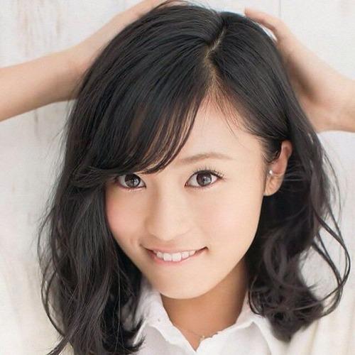 【オカズ用】小島瑠璃子さん、マンスジくっきり見えてる件wwwwwのサムネイル画像