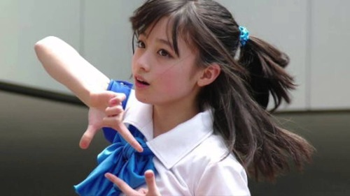 【超衝撃】橋本環奈さん(17)、オッパイ急成長wwwwエロ過ぎわろたwwwwwのサムネイル画像