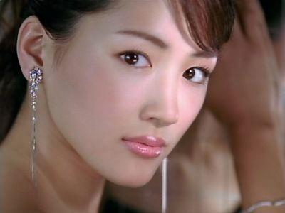 【悲報...】綾瀬はるか(30)、プライベートが今ヤバイ事に・・・もうダメだろな・・・のサムネイル画像