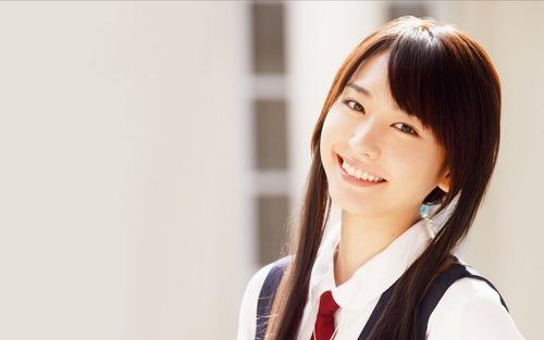 【画像】新垣結衣(28)、サラリーマンと結婚へ!!!!!のサムネイル画像