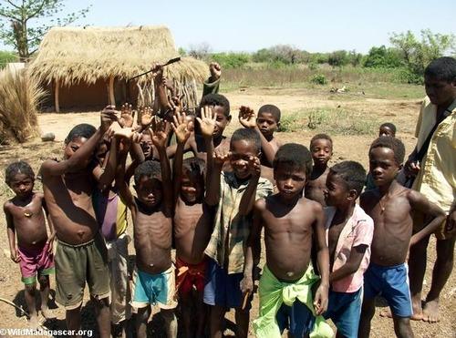 アフリカ人が、いつも飢えてる理由wwwwwwwwwのサムネイル画像