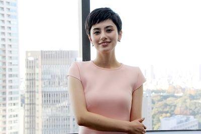 【超驚愕】ホラン千秋さん、衝撃告白wwwwww のサムネイル画像