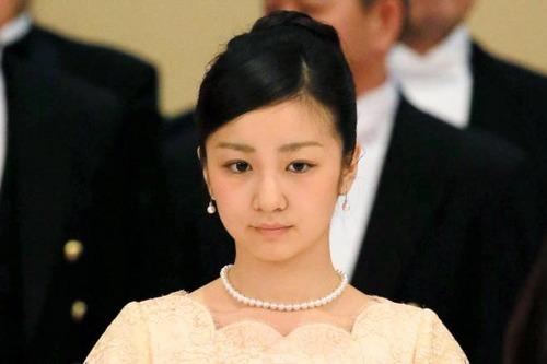 【画像】佳子さま、英留学から帰国したら・・・マジかよ・・・のサムネイル画像