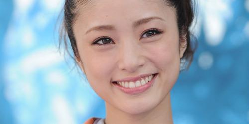 【超驚愕】上戸彩さん、ガチの「共演NG」がヤバ過ぎるwwwwwwのサムネイル画像