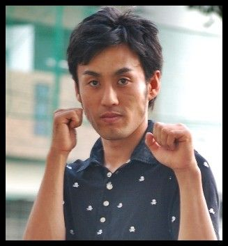 ロバート山本、プロボクシングのデビュー戦でTKO勝利(試合動画あり)2ch「どうせやらせだろww」のサムネイル画像