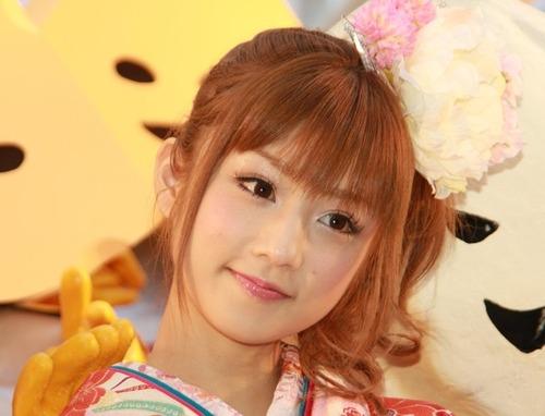 【FRIDAY砲】小倉優子(33)の末路がエグイwwww悲惨過ぎるwwwwwのサムネイル画像