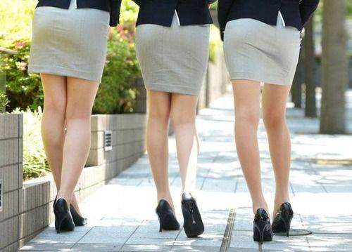 職場の人妻(34)が性欲のピーク迎えた結果wwwwwのサムネイル画像
