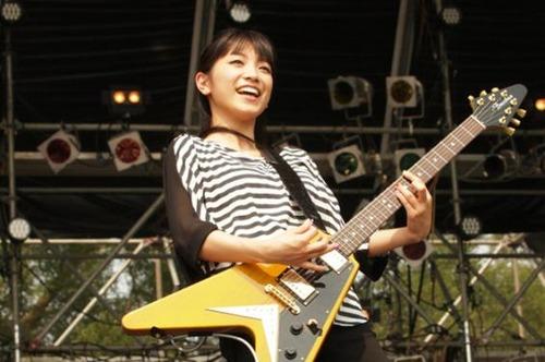 【悲報】miwaさん、慶応大学のテニスサークルを1ヶ月で辞めた理由....のサムネイル画像
