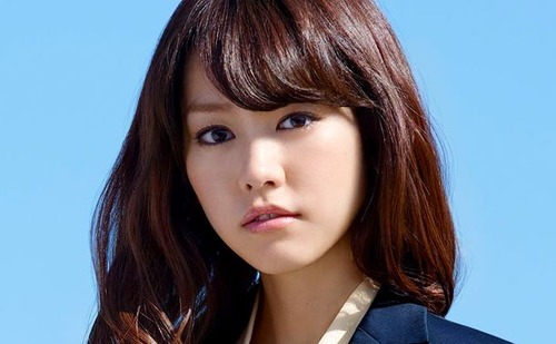 【画像】桐谷美玲(Eカッフ゜)、握手会の接し方wwwwwのサムネイル画像