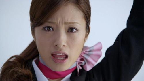 【衝撃画像】上戸彩さん、完全に牛wwwwアカンwwwwwのサムネイル画像