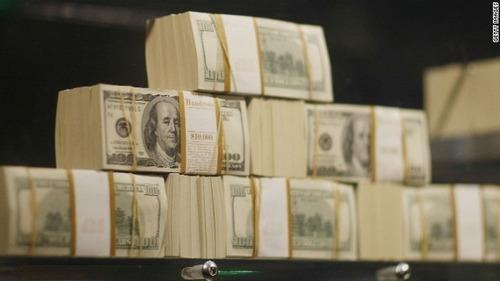 宝くじで300億円当てた女が、最初にやった事wwwwwのサムネイル画像