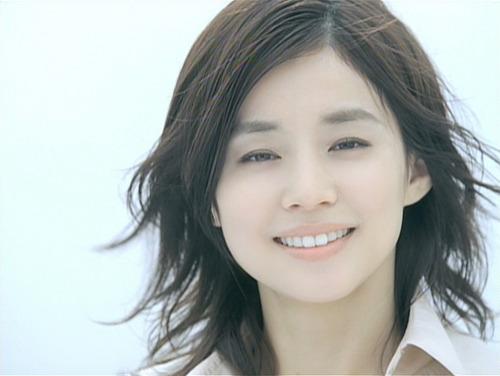 【衝撃画像】石田ゆり子(23)、とんでもない女だったwwwwまじかよwwwwwのサムネイル画像