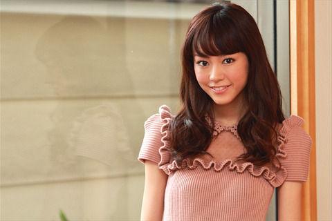 【画像】桐谷美玲ちゃんの乳輪ポロリwwwwwwのサムネイル画像