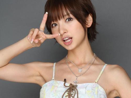 """篠田麻里子さん、""""裏バイト""""していた過去を告白wwwwwwwのサムネイル画像"""