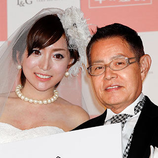 【悲報】加藤茶の妻、綾菜さんイジメを受ける・・・。のサムネイル画像