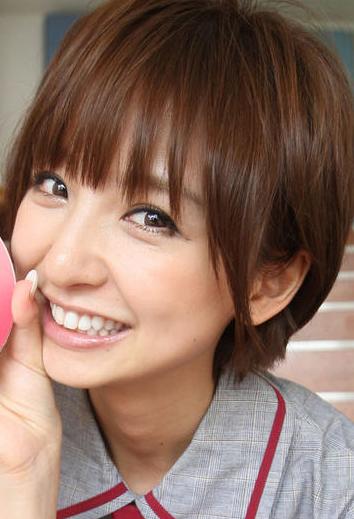 篠田麻里子の現在、劣化して別人に(卒アル画像あり)2ch整形か?のサムネイル画像