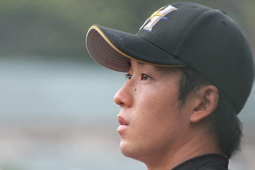 斎藤佑樹が、カイエンではなく本当に乗るべき車wwwwwのサムネイル画像