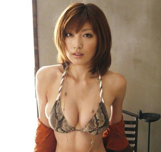 大沢舞子さんのビキニ