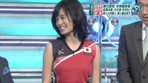 【画像】小島瑠璃子が、本番中に着けてた下着の色wwwwwwのサムネイル画像