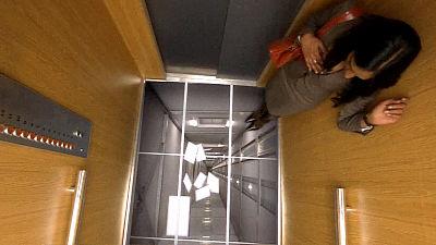 落下するエレベータで生き残る方法wwww(解説動画あり)のサムネイル画像