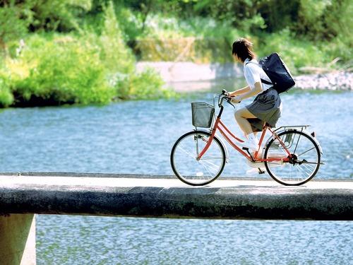 【驚愕】JCの自転車サドルに5回ぶっかけた結果wwwwwのサムネイル画像