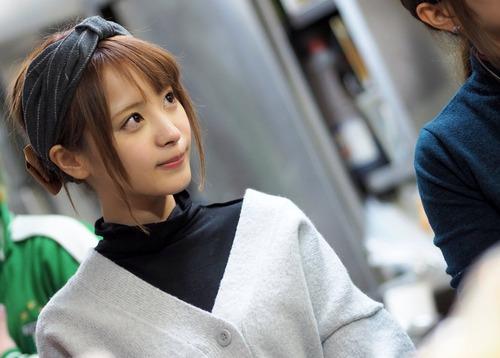 【画像】桃乃木かなが、乃木坂の握手会に参加した結果wwwwwwwのサムネイル画像