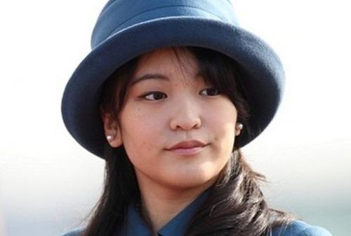 【超驚愕】眞子さまと飛行機で遭遇した結果wwwwwまさかのwwwwwのサムネイル画像