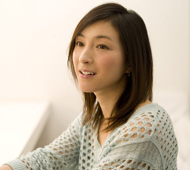 【悲報】広末涼子、あの件をカミングアウト・・・まじかよ・・・のサムネイル画像