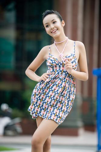ベトナムの巨にゅう小学生モデル(12)が即ハボwww(※画像)のサムネイル画像
