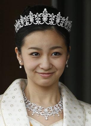 ICU学生「佳子さまのすっぴんは....」のサムネイル画像