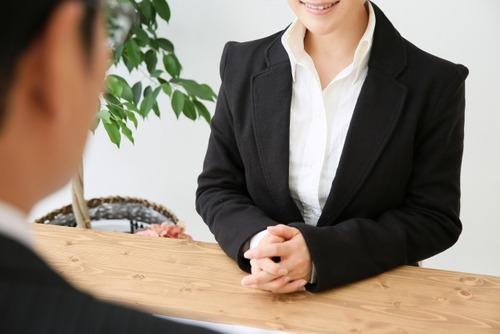 保険の営業女に「しゃぶったら」契約するって言ったらwwwまさかのwwwwのサムネイル画像