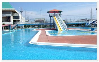 【衝撃画像】東京の市民プールがエロエロな事になってるwwwwwwのサムネイル画像