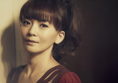 【激写】華原朋美さん、後背位wwwwwwのサムネイル画像