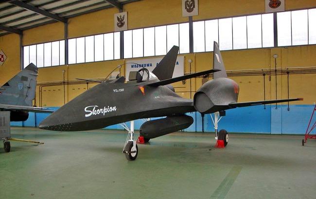 F6AMUiX