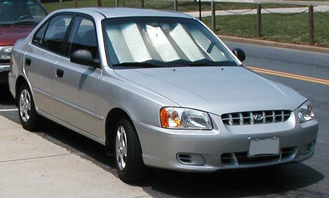 800px-Hyundai_Accent_sedan